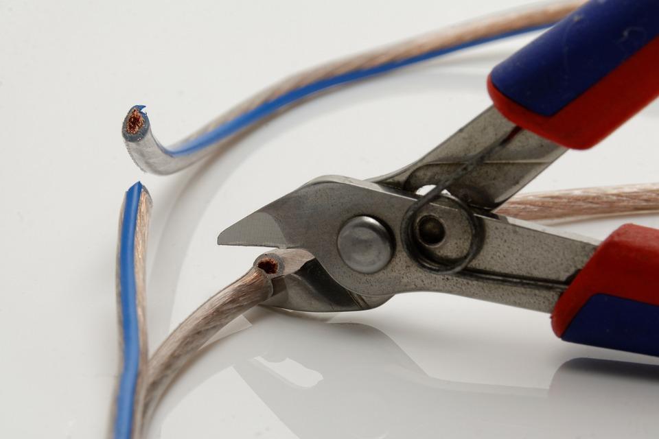 клещи за кабели